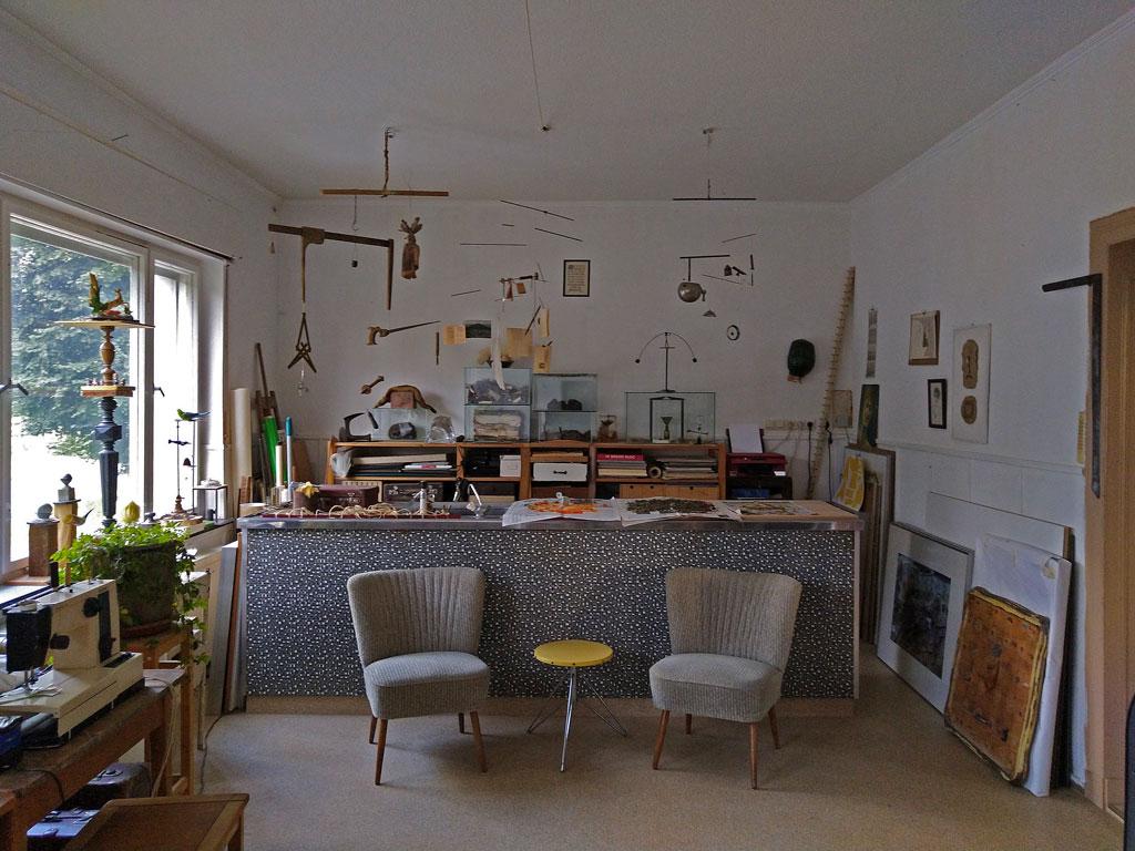 Atelier-Hollerhof-mit-altem-Tresen